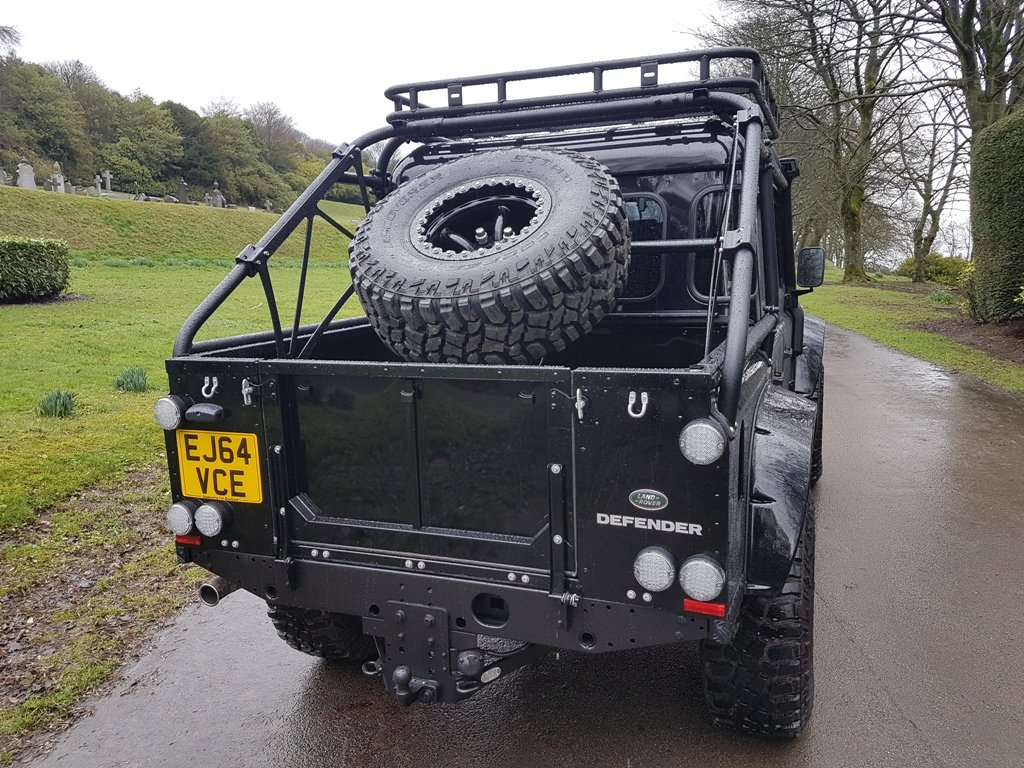 """2015 64 PLATE LAND ROVER DEFENDER """"SPECTRE"""" EDITION For Sale (picture 6 of 6)"""