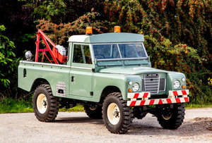 C.1976 LAND ROVER SERIES III 109 For Sale by Auction