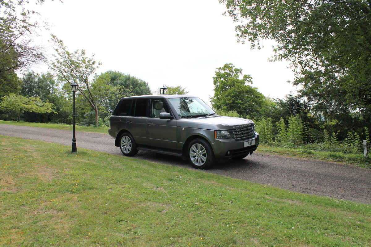 2010 Range Rover Vogue TDV8 facelift For Sale (picture 1 of 6)