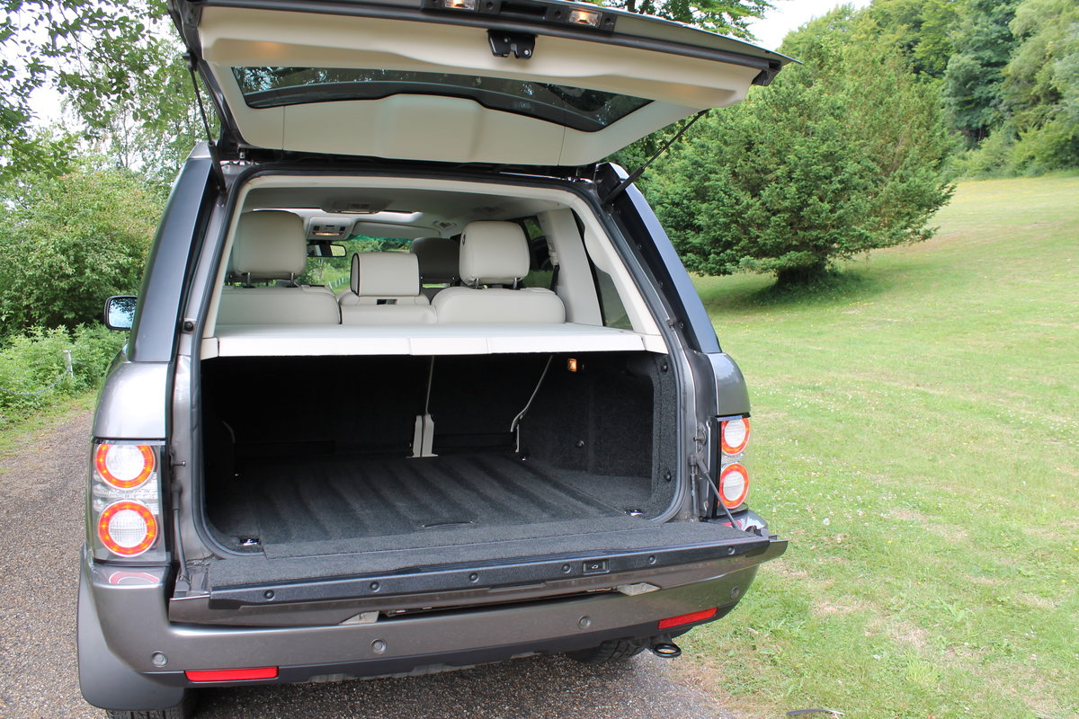2010 Range Rover Vogue TDV8 facelift For Sale (picture 3 of 6)