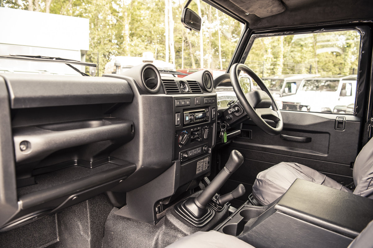 2015 Land Rover Defender 90 XS Hard Top For Sale (picture 4 of 6)