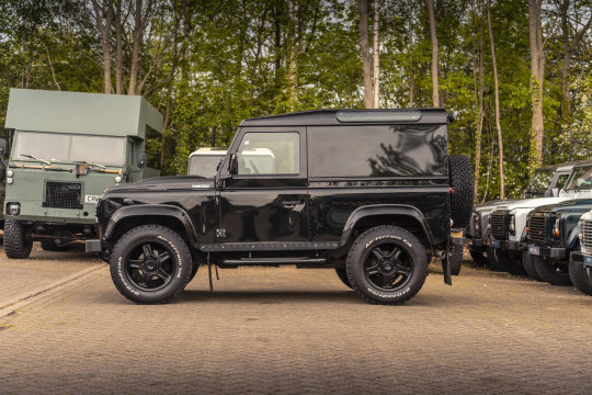 2013 Land Rover Defender 90 Hard Top - TWISTED CONVERSION For Sale (picture 3 of 5)