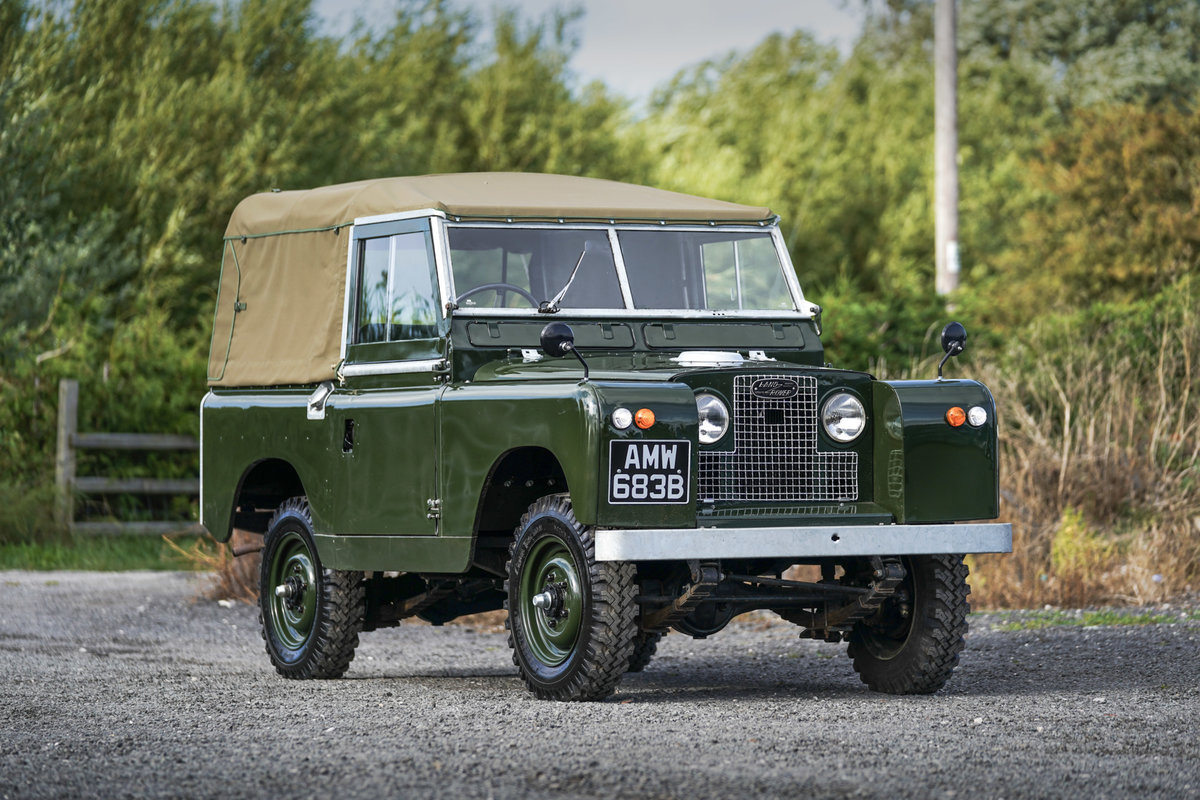 """Land Rover Series 2a 88"""" Softop 1964 Nut & Bolt Restoration  For Sale (picture 1 of 6)"""