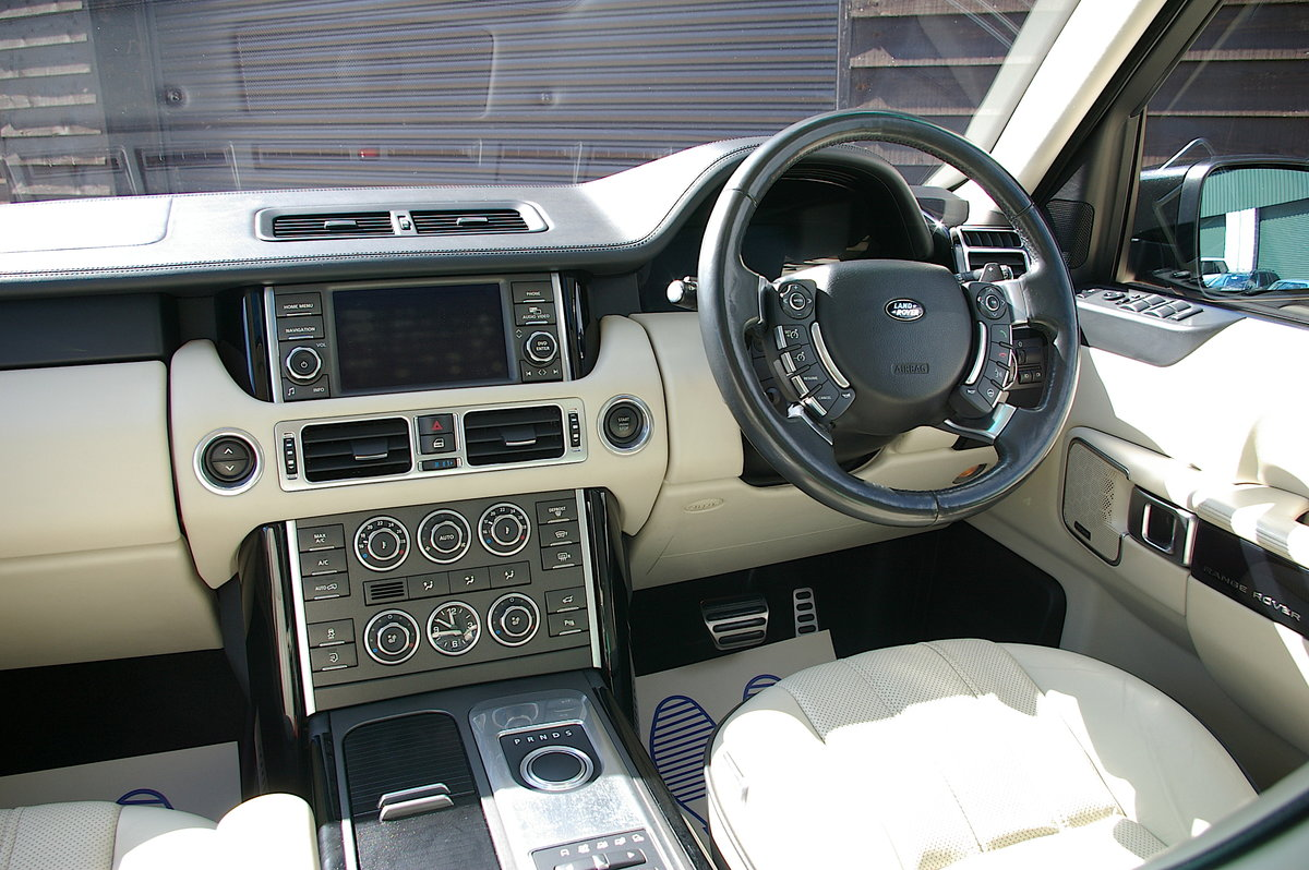 2012 Rover Range Rover 4.4 TDV8 Westminster Auto (87,820 miles) SOLD (picture 5 of 6)