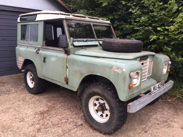 1981 Land Rover Series 3 Station Wagon with Safari Roof For Sale (picture 1 of 6)
