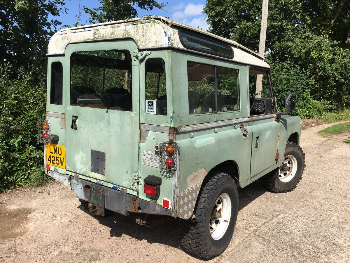 1981 Land Rover Series 3 Station Wagon with Safari Roof For Sale (picture 2 of 6)