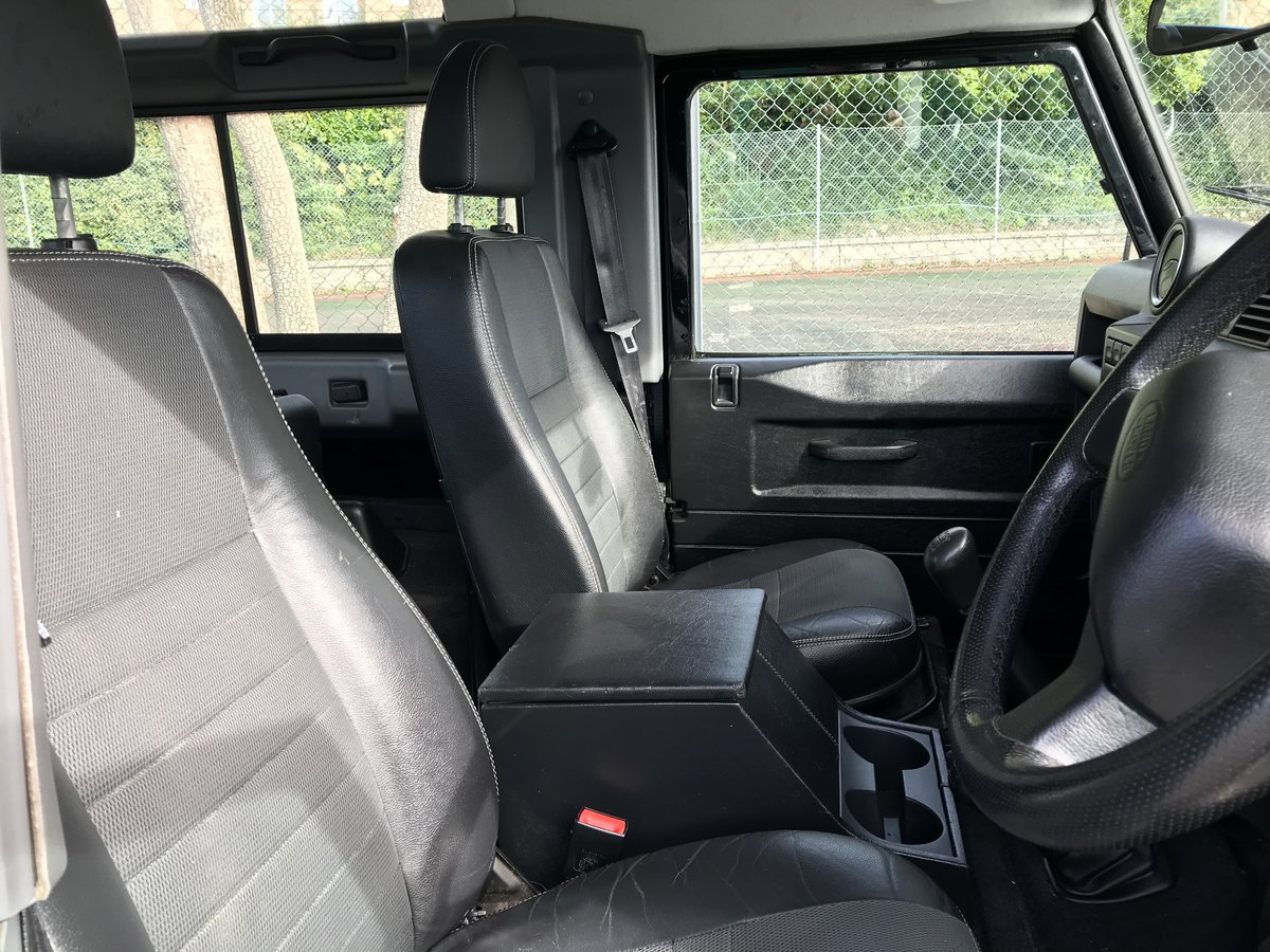 2007 (07) Land Rover Defender 90 2.4 TDi XS For Sale (picture 5 of 6)