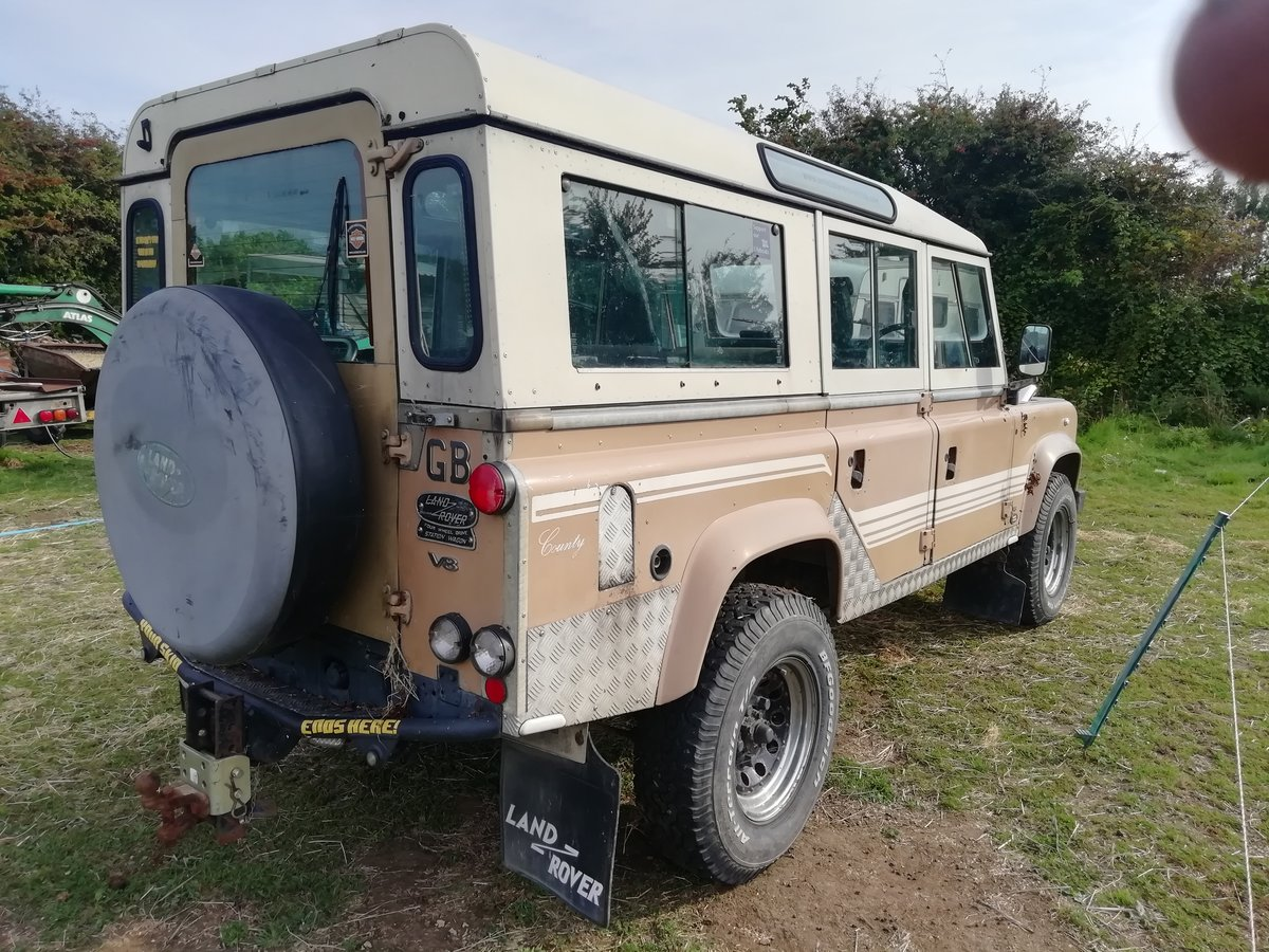 1983 Land Rover V8 petrol auto SOLD (picture 2 of 6)