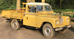 1975 LAND ROVER SERIES 3 109'' PICK UP