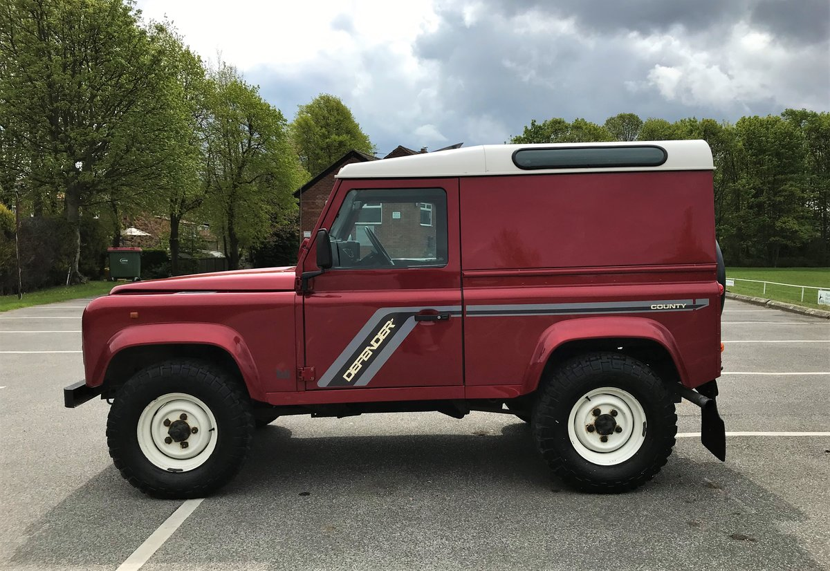 1997 DEFENDER 90 COUNTY HARD TOP 300 Tdi **IMMACULATE EXAMPLE** For Sale (picture 6 of 6)