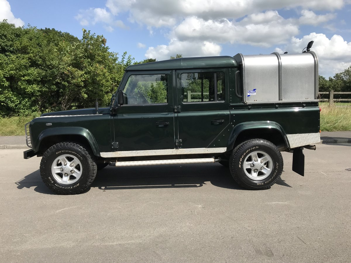 2004 DEFENDER 110 DOUBLE CAB XS Td5  *TOP OF THE RANGE MODEL* For Sale (picture 2 of 6)