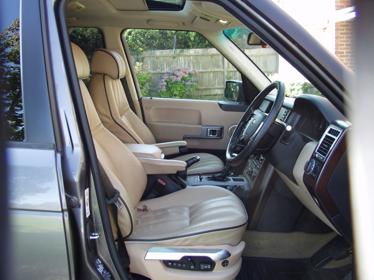 2005 Range Rover 'Full Fat' low mileage, awesome! SOLD (picture 2 of 6)