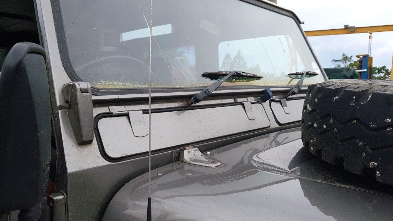 1991 Land Rover 110 Defender 5dr SW V8 (RHD) For Sale (picture 3 of 6)