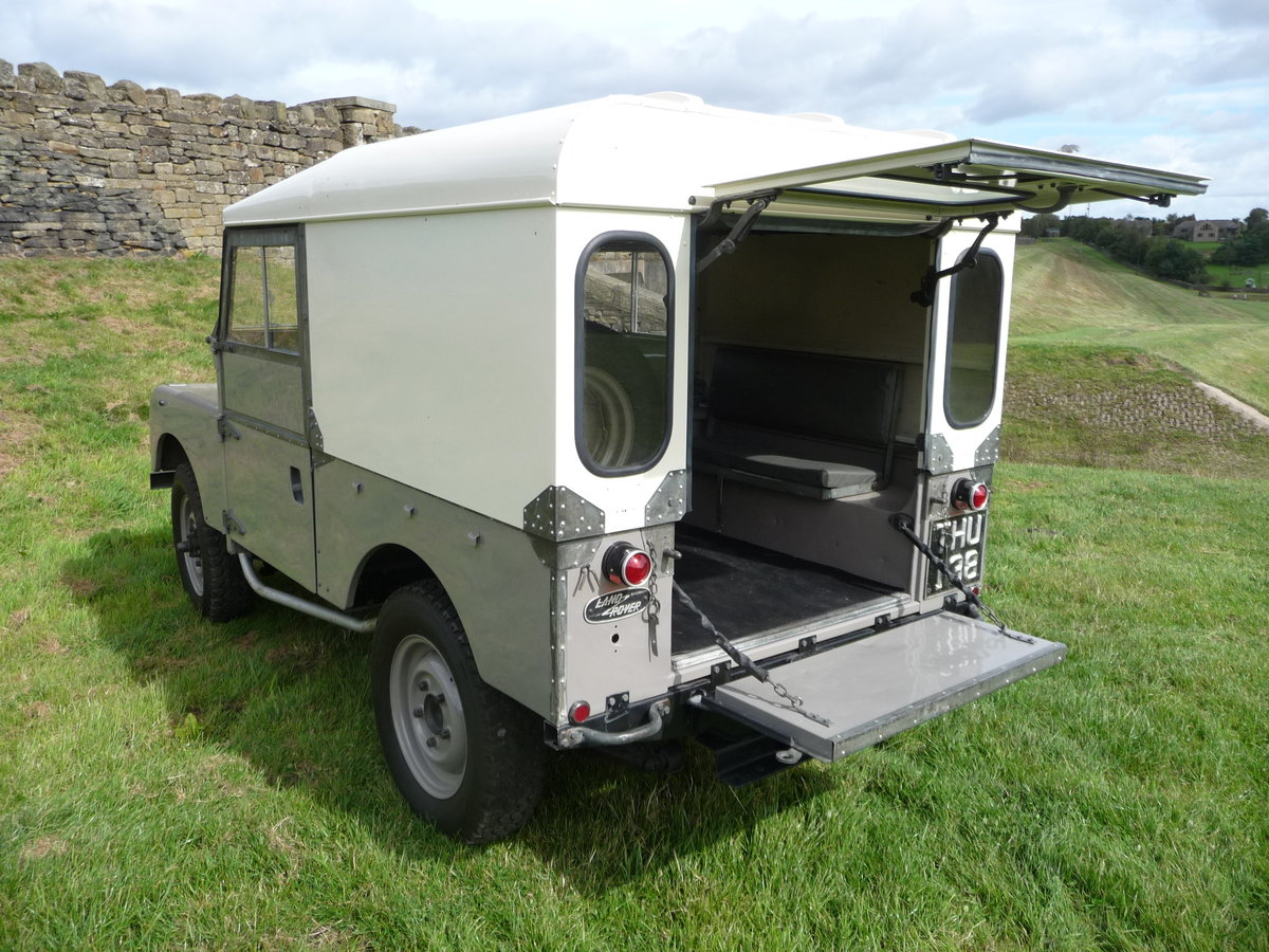 1954 LAND ROVER SERIES 1 – AN ABSOLUTE DELIGHT ! For Sale (picture 4 of 10)