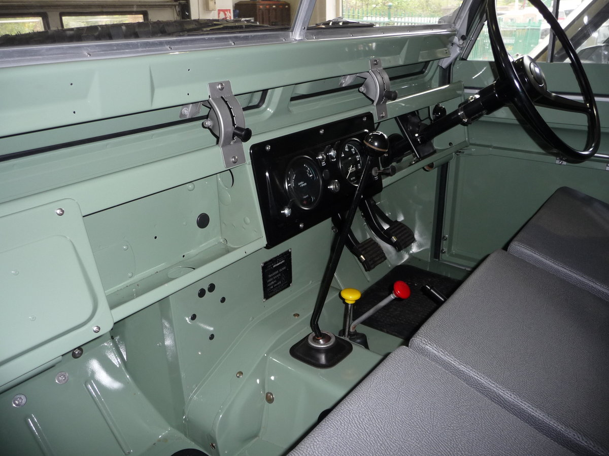 1963 LAND ROVER SERIES IIA – NUT AND BOLT REBUILD – GALV CHASSIS For Sale (picture 9 of 10)