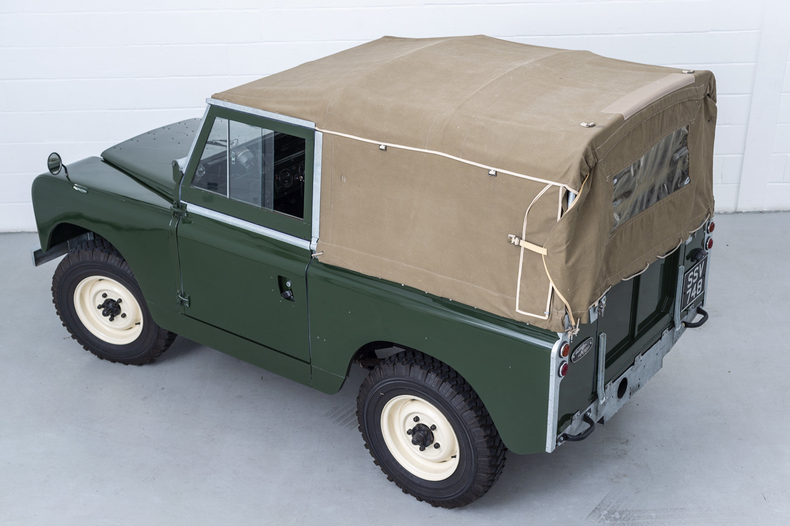 1960 Land Rover Series II 2 - Recent restoration For Sale (picture 2 of 6)