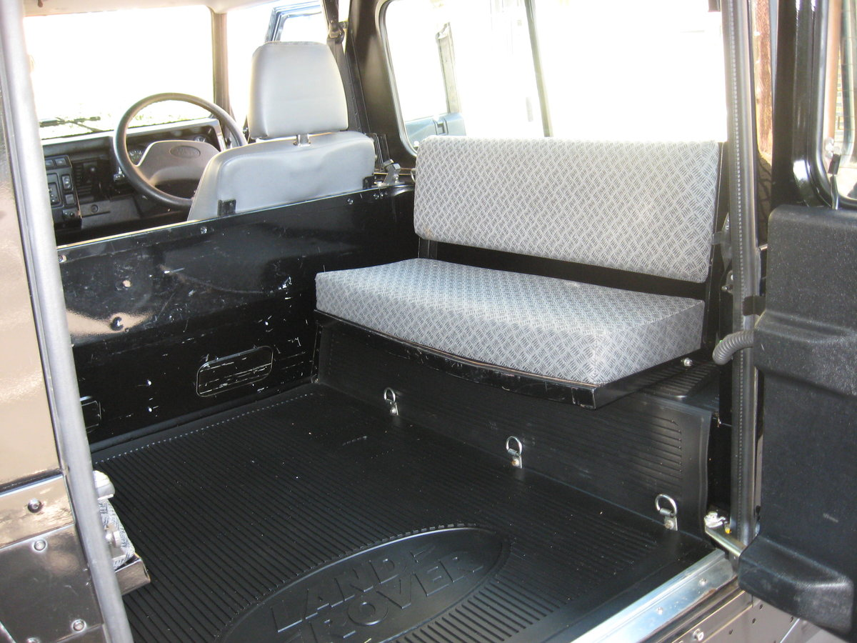 2007 Land-Rover Defender 90 County. For Sale (picture 5 of 6)