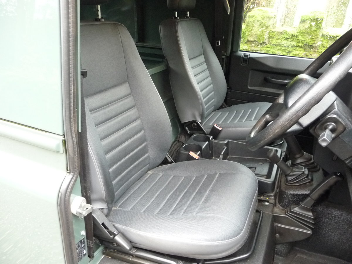 2012 LAND ROVER DEFENDER 90 HARD TOP – 28,000 MILES For Sale (picture 6 of 9)