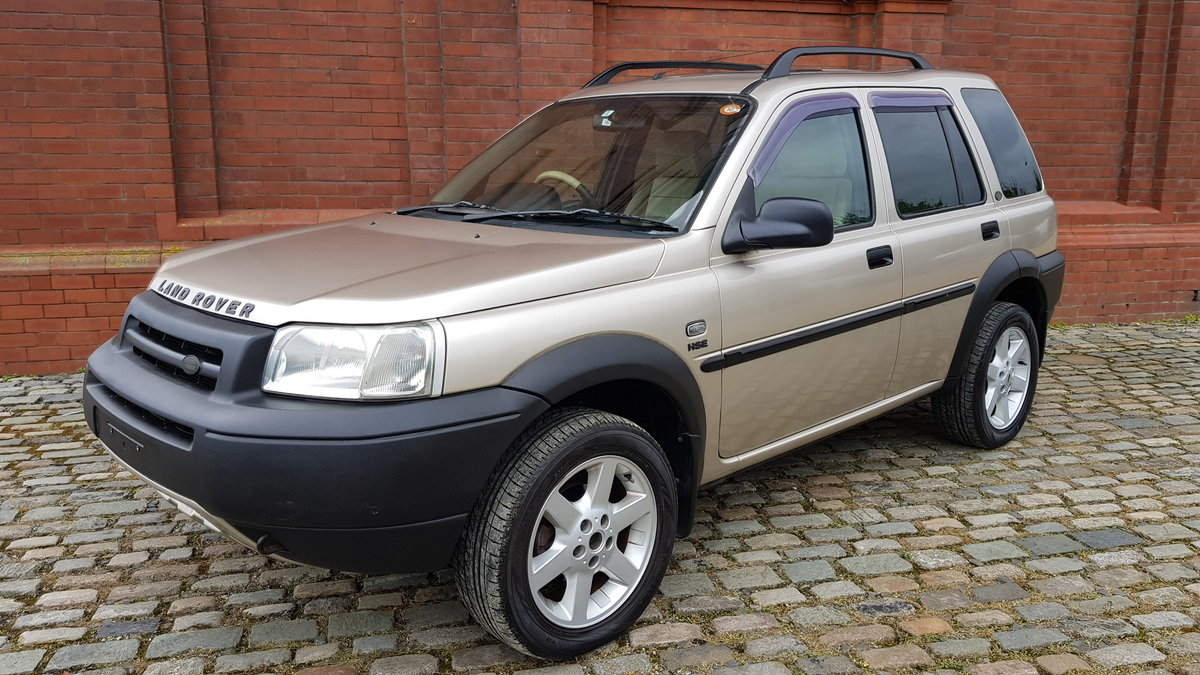 2003 LAND ROVER FREELANDER 2.5 AUTOMATIC HSE * ONLY 9000 MILES * For Sale (picture 1 of 6)
