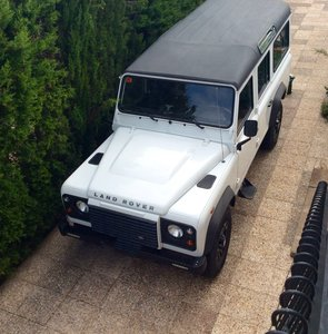 2011 Land Rover defender 110 LHD
