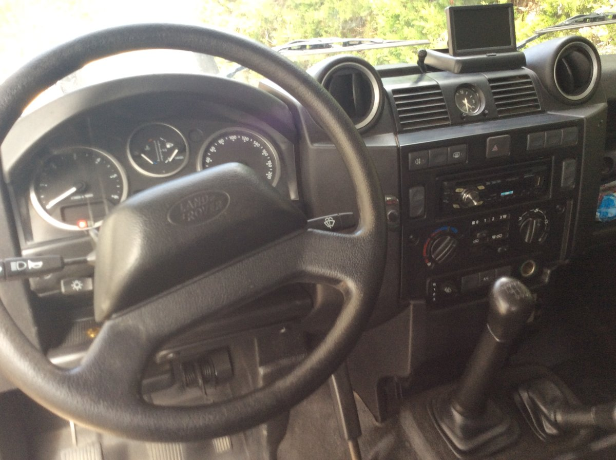 2011 Land Rover defender 110 LHD For Sale (picture 2 of 6)