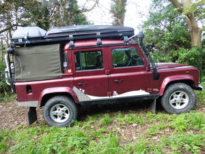 Land rover defender td5 double cab county