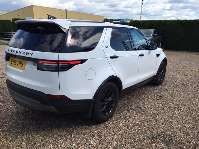 2018 Land Rover Discovery Commercial SE SOLD (picture 6 of 6)