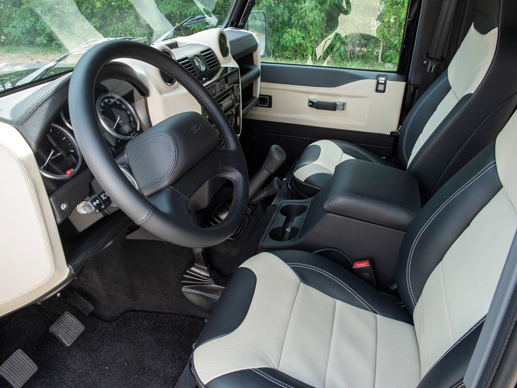 2016 Land Rover Defender 90 Autobiography  For Sale by Auction (picture 4 of 6)