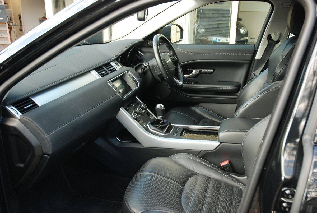 2016 Land Rover R/R Evoque 2.2 HSE Dynamic Hatchback Auto Diesel For Sale (picture 4 of 4)