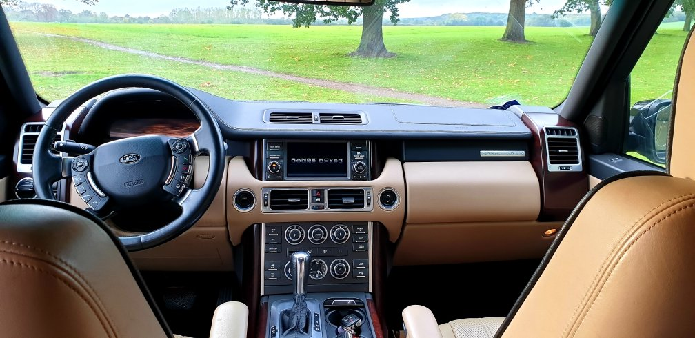 2010 LHD Land Rover Range Rover Vogue 3.6 TDV8, LEFT HAND DRIVE For Sale (picture 5 of 6)