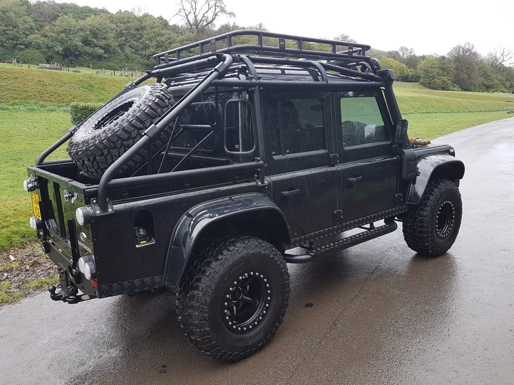 "2015 64 PLATE LAND ROVER DEFENDER ""SPECTRE"" EDITION For Sale (picture 2 of 6)"