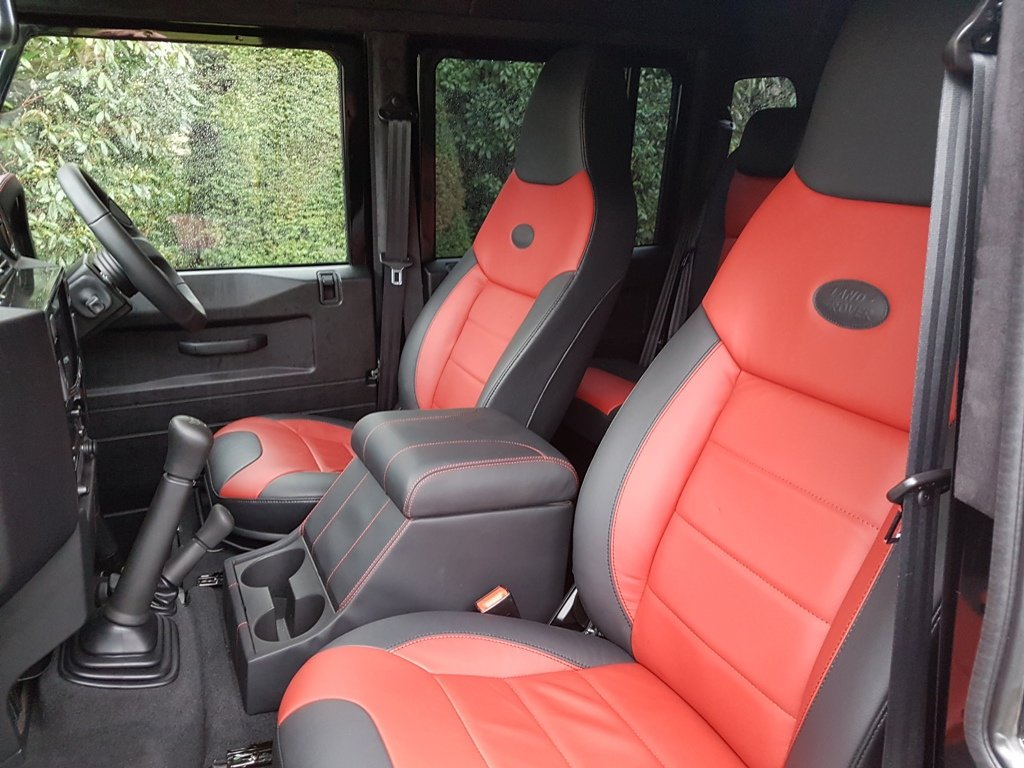 "2015 64 PLATE LAND ROVER DEFENDER ""SPECTRE"" EDITION For Sale (picture 3 of 6)"
