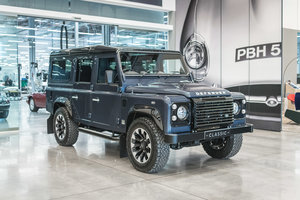 Land Rover Defender 110 Works V8 70th Edition