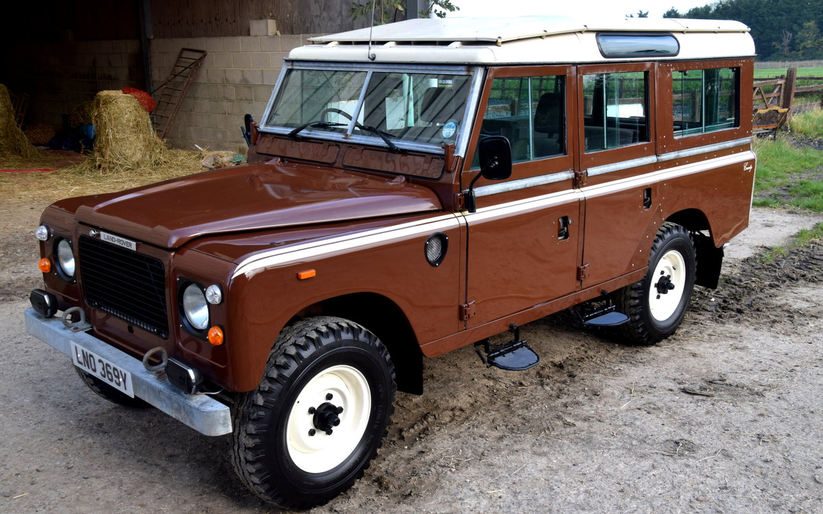 1983 Land Rover SERIES III STAGE 1 V8 12 SEAT COUNTY SW For Sale (picture 1 of 6)