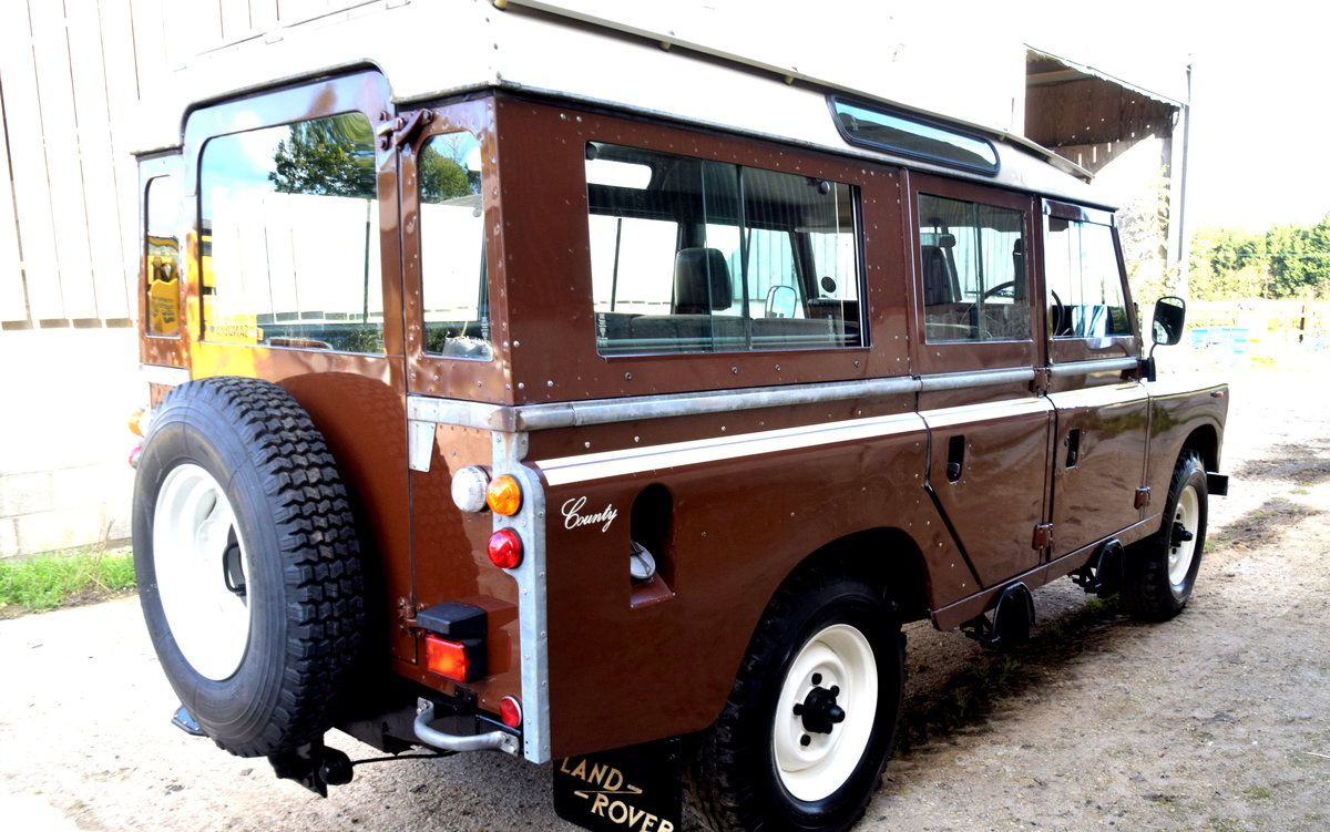 1983 Land Rover SERIES III STAGE 1 V8 12 SEAT COUNTY SW For Sale (picture 2 of 6)