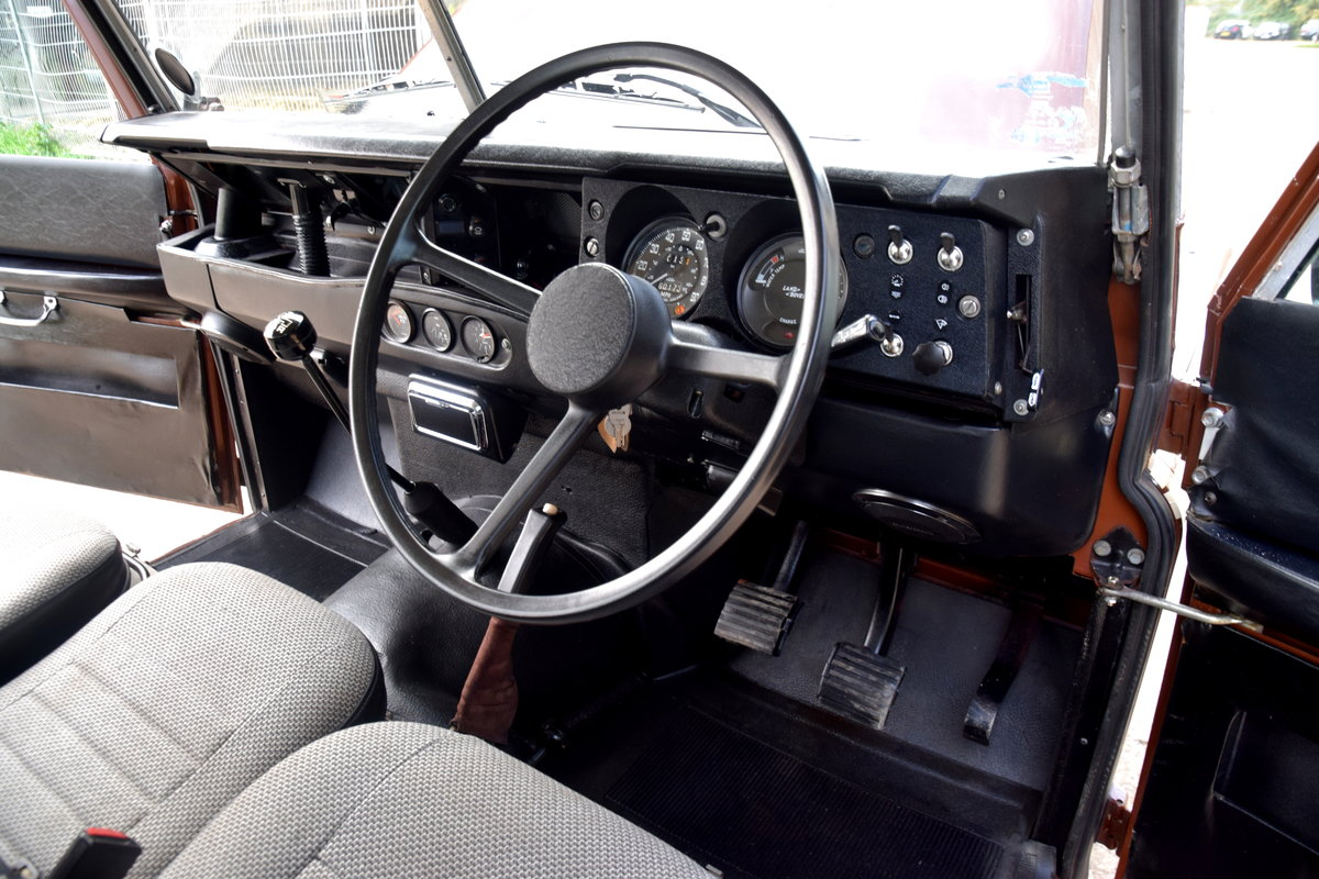 1983 Land Rover SERIES III STAGE 1 V8 12 SEAT COUNTY SW For Sale (picture 4 of 6)