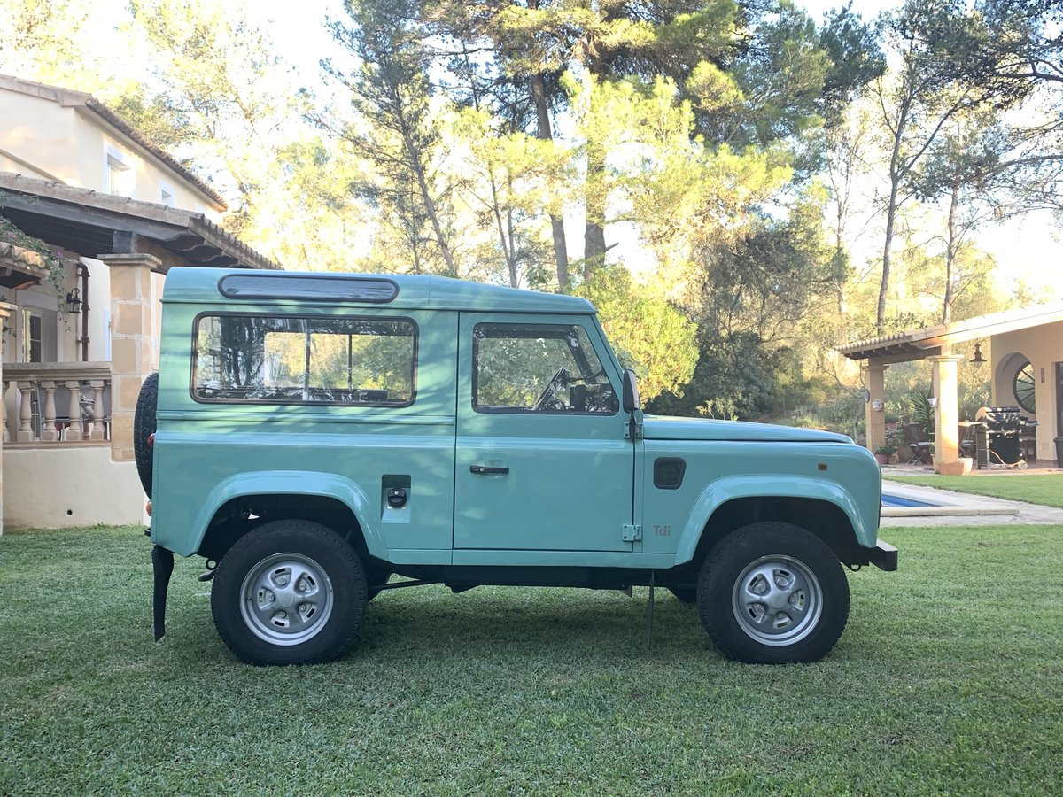 1996 LHD-Land-Rover-Defender-90-TDi-199 For Sale (picture 1 of 6)