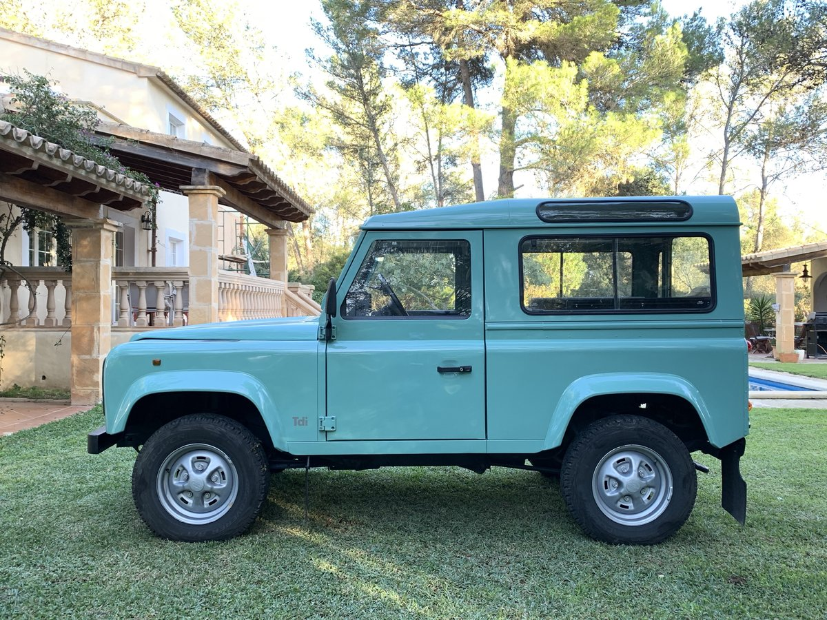 1996 LHD-Land-Rover-Defender-90-TDi-199 For Sale (picture 4 of 6)