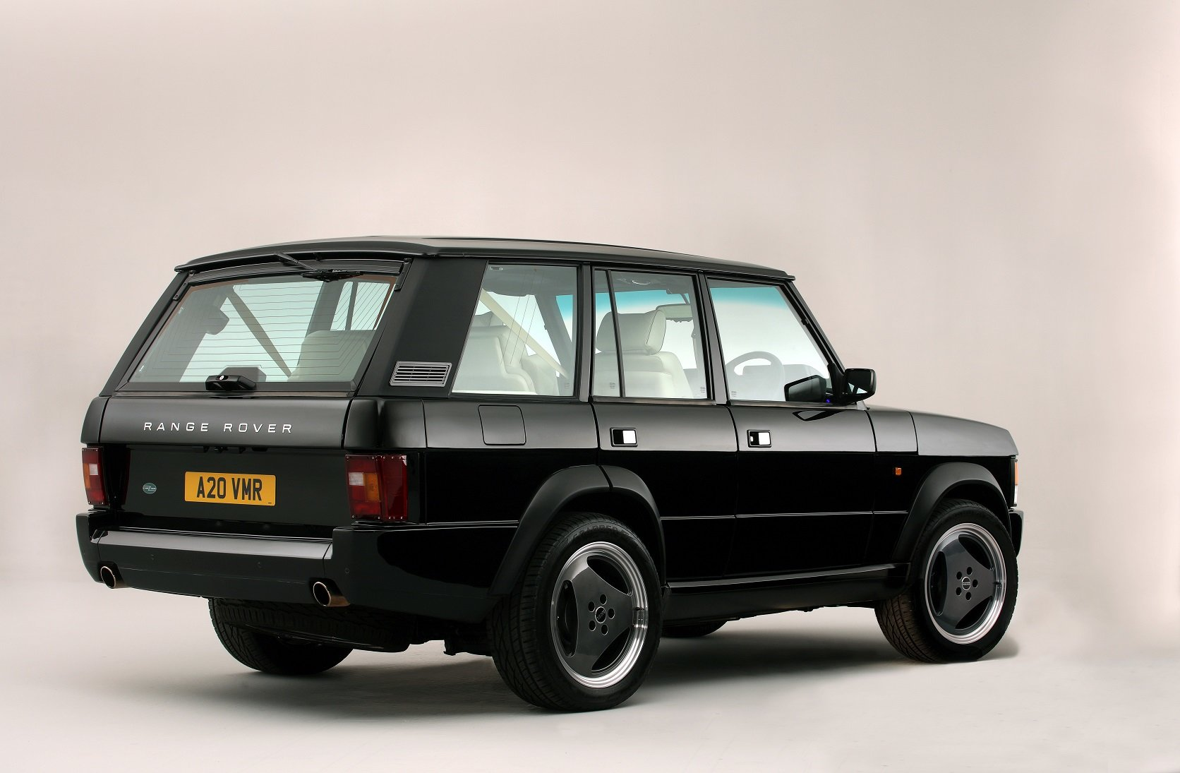 2004 Range Rover Chieftain, re-engineered Supercar For Sale (picture 3 of 6)