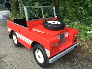 1961 ELECTRIC POWERED – CHILDREN'S SCALE LAND ROVER SOLD