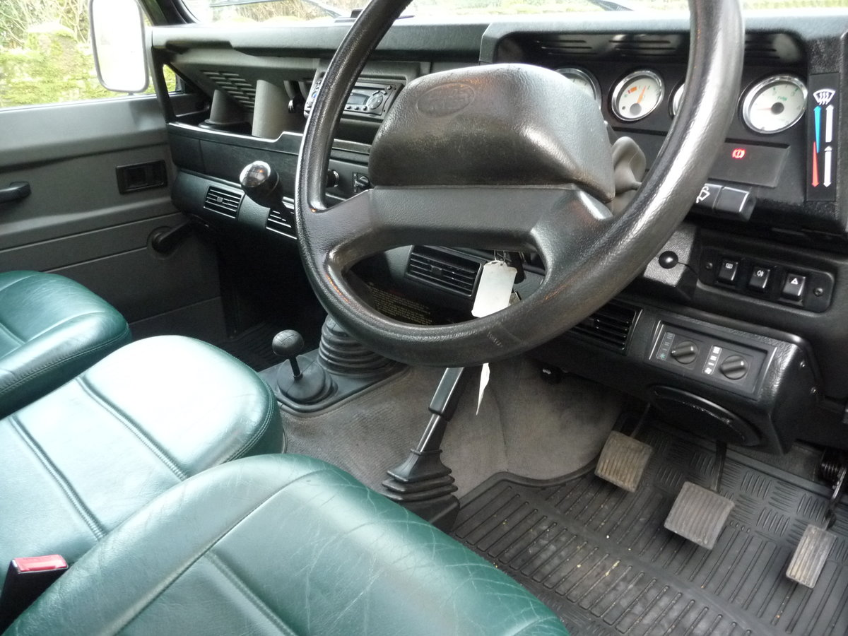 2000 ORIGINAL 1999 LAND ROVER 90 DEFENDER HERITAGE – 34,300 MILES For Sale (picture 4 of 10)