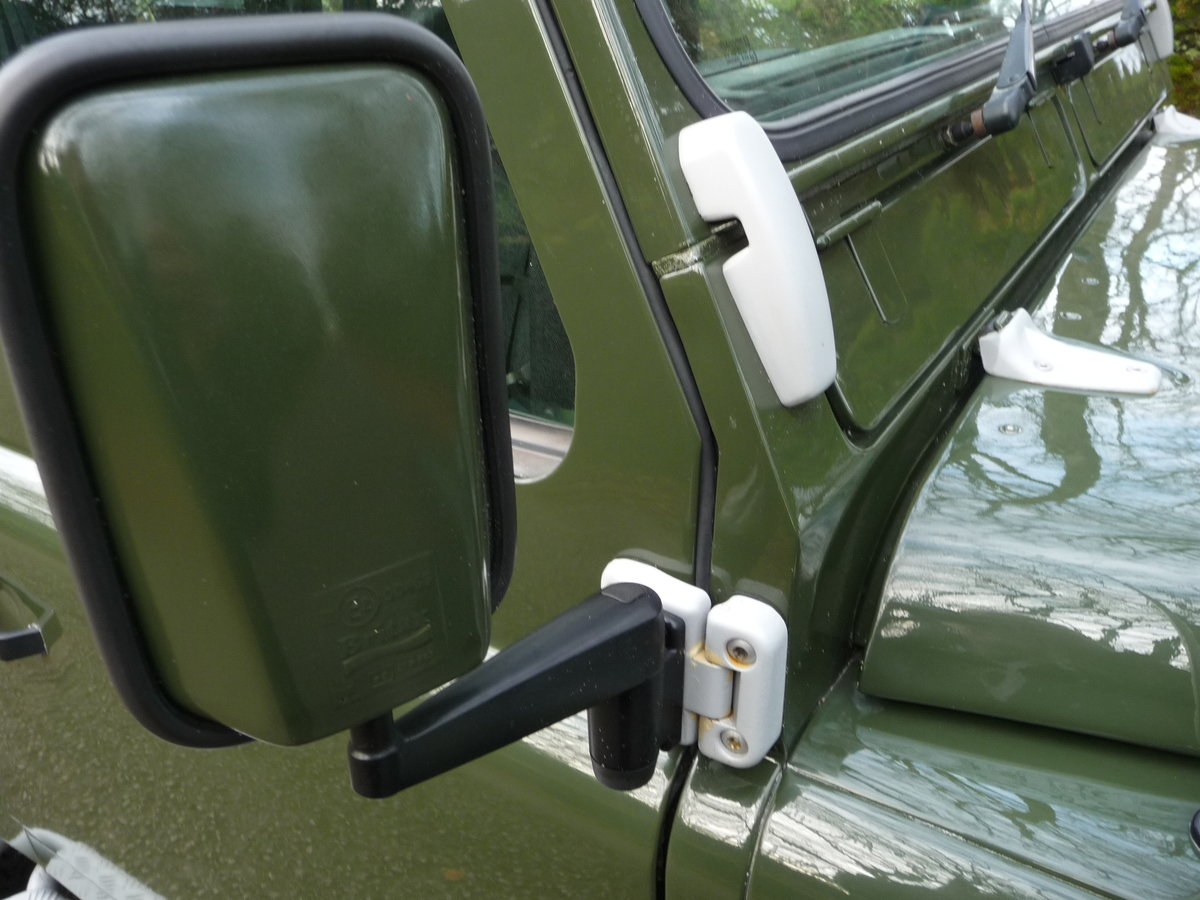 2000 ORIGINAL 1999 LAND ROVER 90 DEFENDER HERITAGE – 34,300 MILES For Sale (picture 8 of 10)