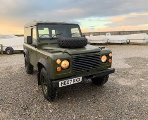 1991 Land Rover® 90 *Late Release & Power Steering* (KKX)