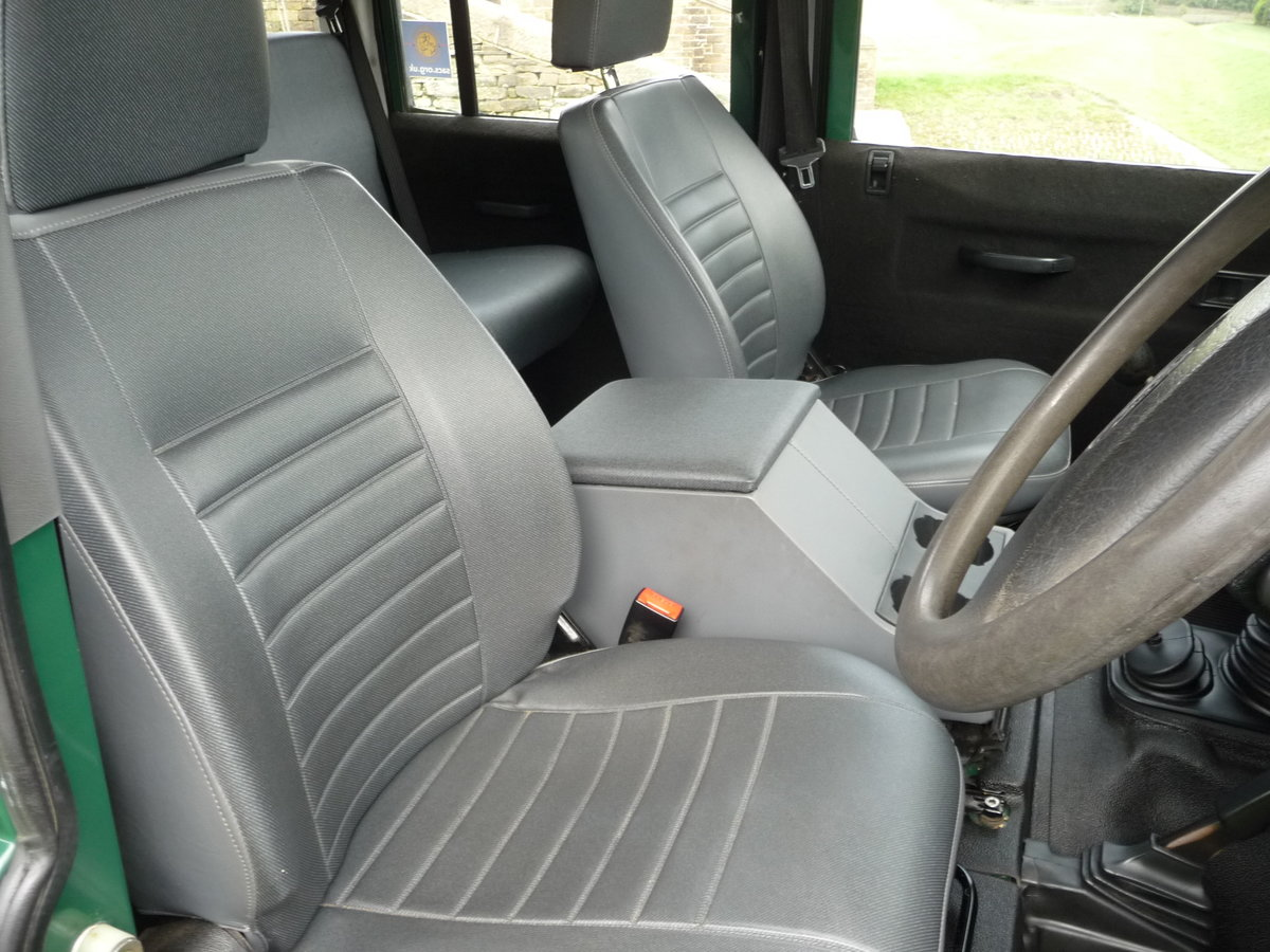 2004 Defender 110 DOUBLE CAB – LOVELY CONDITION For Sale (picture 6 of 10)