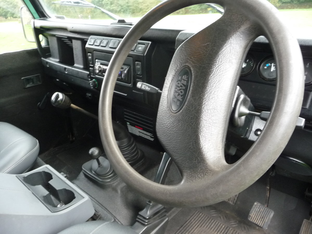 2004 Defender 110 DOUBLE CAB – LOVELY CONDITION For Sale (picture 7 of 10)