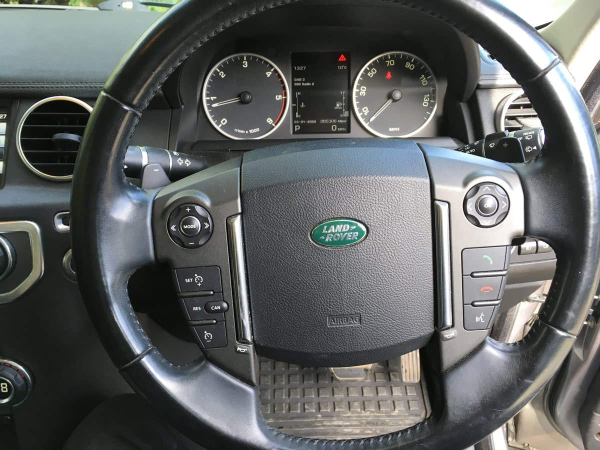 2011 LAND ROVER DISCOVERY 4 – XS AUTOMATIC 69,000 MILES FSH SOLD (picture 7 of 10)
