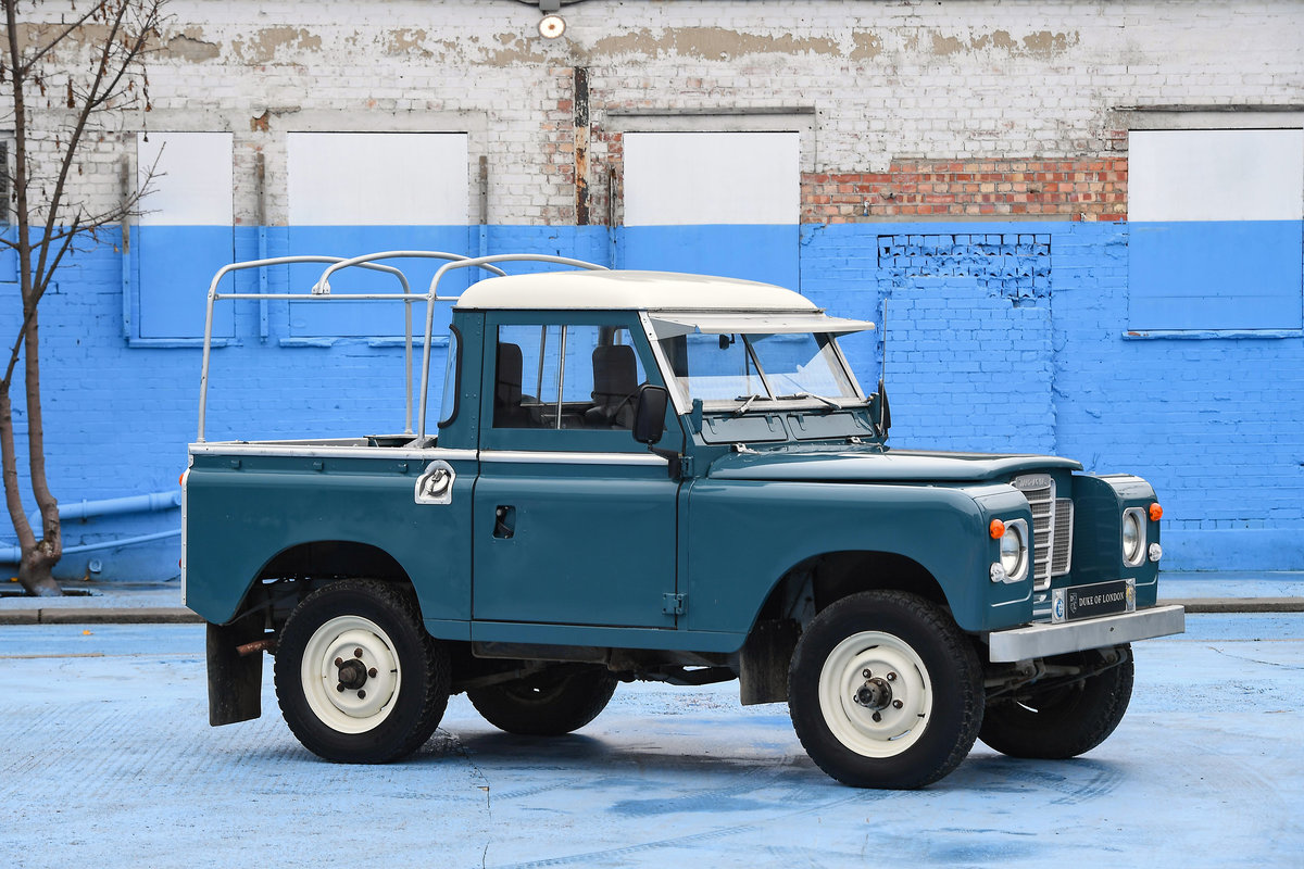 1983 Land Rover Defender Series 3 Pickup For Sale (picture 2 of 12)