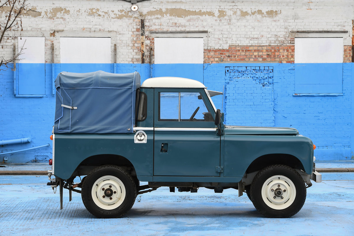 1983 Land Rover Defender Series 3 Pickup For Sale (picture 3 of 12)