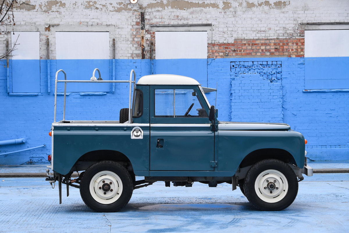 1983 Land Rover Defender Series 3 Pickup For Sale (picture 4 of 12)