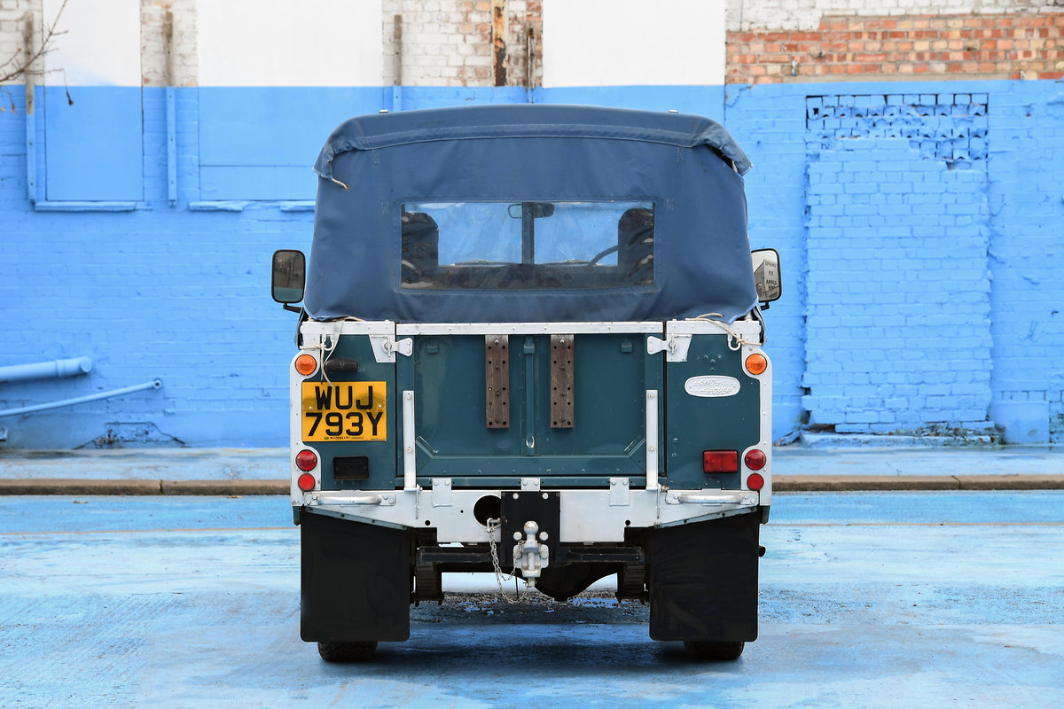 1983 Land Rover Defender Series 3 Pickup For Sale (picture 8 of 12)